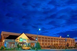 Exterior view - Holiday Inn Express Lynbrook