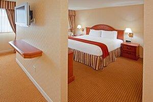 Suite - Holiday Inn Express Lynbrook