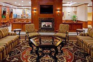 Lobby - Holiday Inn Express Lynbrook