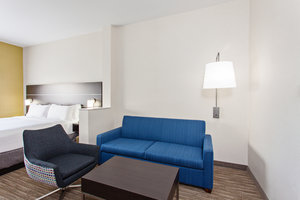 Suite - Holiday Inn Express Hotel & Suites Oakland