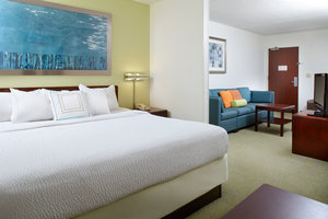 Room - Summit Suites Airport Pittsburgh