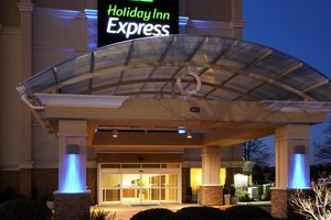 Exterior view - Holiday Inn Express Coliseum Hampton