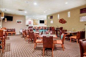 Restaurant - Holiday Inn Tanglewood Roanoke