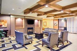 Lobby - Holiday Inn Tanglewood Roanoke