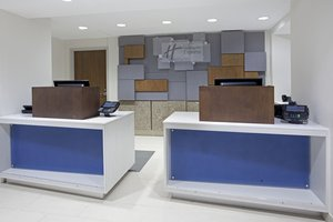 Lobby - Holiday Inn Express Hotel & Suites Downtown Austin