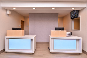 Lobby - Holiday Inn Express Hotel & Suites Lacey