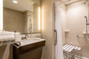 Room - Holiday Inn Nevins Station Brooklyn