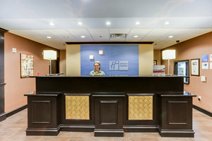 Lobby - Holiday Inn Express Hotel & Suites Huntsville