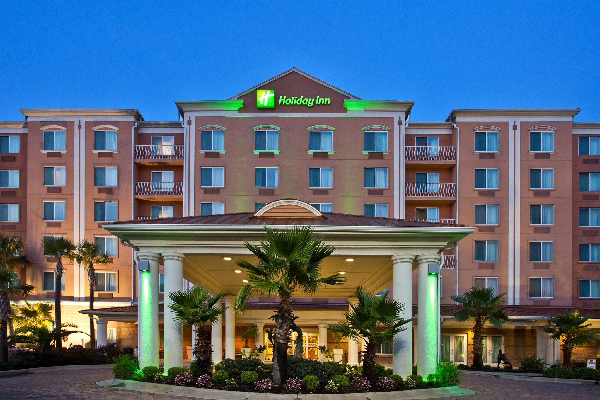 Holiday Inn & Suites LAKE CITY