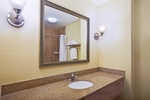 - Holiday Inn Express Hotel & Suites East Lansing