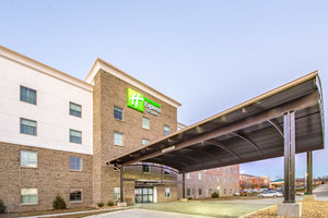 Exterior view - Holiday Inn Express Hotel & Suites Shawnee