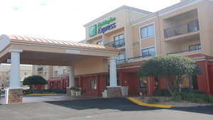 Exterior view - Holiday Inn Express Tifton