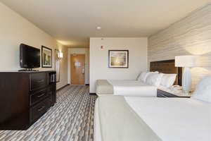 Room - Holiday Inn Express Hotel & Suites Warwick
