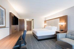 Room - Holiday Inn Express Waltham