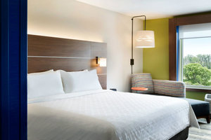 Room - Holiday Inn Express Hotel & Suites Pleasantville
