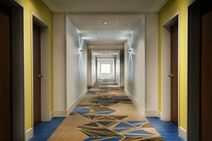Lobby - Holiday Inn Express Hotel & Suites Pleasantville