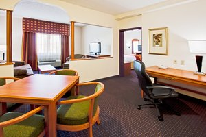Suite - Holiday Inn Express Hotel & Suites Davie