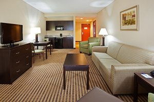 Suite - Holiday Inn Express Johnson City