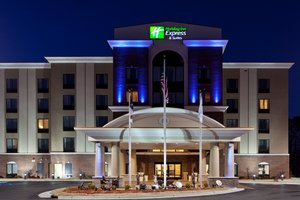 Exterior view - Holiday Inn Express Hotel & Suites Hope Mills