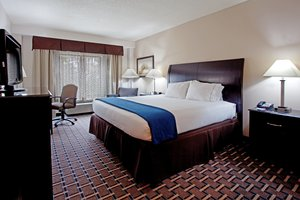 Room - Holiday Inn Express Hotel & Suites Hope Mills