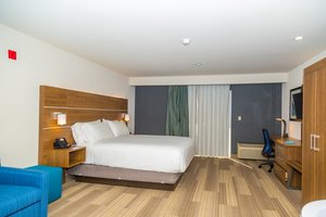 Suite - Holiday Inn Express Airport at Old Town San Diego