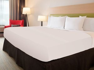 Room - Country Inn & Suites by Radisson Redlands