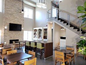 Restaurant - Country Inn & Suites by Radisson Redlands