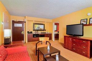 Suite - Courtyard by Marriott Hotel Frederick