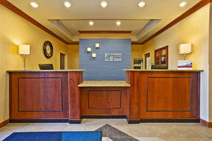 Lobby - Holiday Inn Express Hotel & Suites Anderson