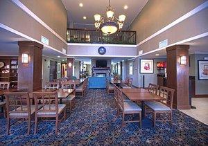 Lobby - Staybridge Suites Chattanooga