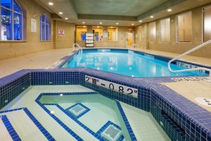 Pool - Holiday Inn Express Hotel & Suites Bowmanville
