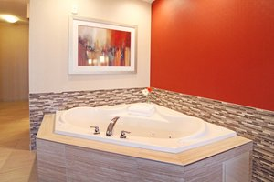 Suite - Holiday Inn Express Banff Trail Calgary