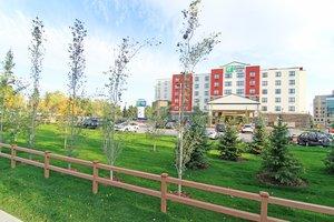 Exterior view - Holiday Inn Express Banff Trail Calgary
