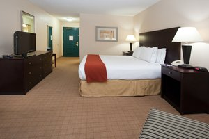 Room - Holiday Inn Express Hotel & Suites Englewood