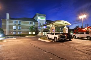 Exterior view - Holiday Inn Express Airport Romulus