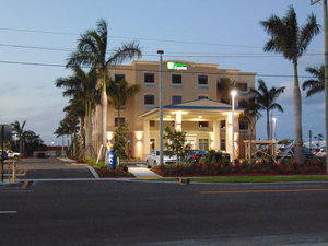 Exterior view - Holiday Inn Express Hotel & Suites Boynton Beach