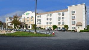 Exterior view - Holiday Inn Express Milford