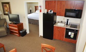 Room - Holiday Inn Hotel & Suites Beckley