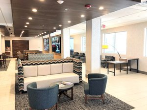 Lobby - Holiday Inn Express Midtown Richmond