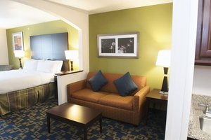 Room - Holiday Inn Express Hotel & Suites Urbandale