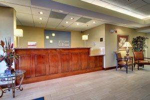 Lobby - Holiday Inn Express Dahlonega