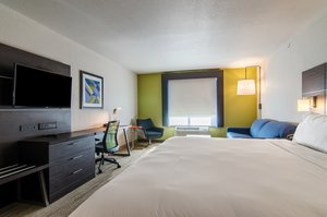 Room - Holiday Inn Express Hotel & Suites Atchison