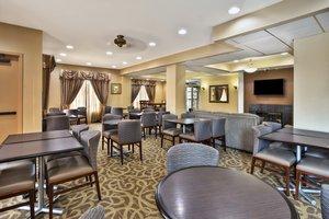 Restaurant - Holiday Inn Express Hotel & Suites Harrington