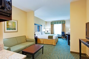 Suite - Holiday Inn Express Gulf Shores