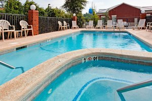 Pool - Holiday Inn Express Gulf Shores