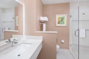 - Fairfield Inn & Suites by Marriott Poplar Bluff