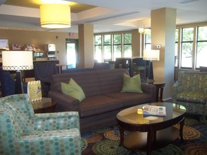Lobby - Holiday Inn Express Hotel & Suites Winchester