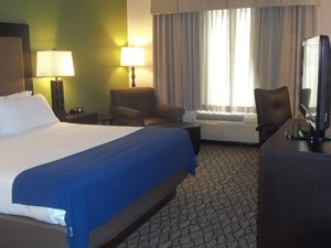 Room - Holiday Inn Express Hotel & Suites Winchester