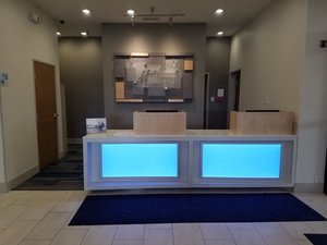 Lobby - Holiday Inn Express Hotel & Suites San Angelo