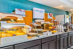 Restaurant - Holiday Inn Express Hotel & Suites Westampton